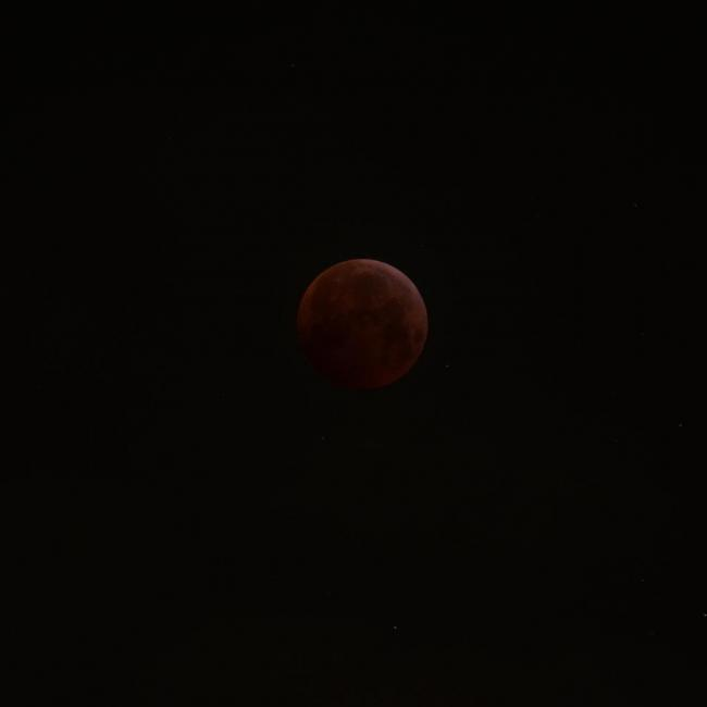 20190121-0527-blood-moon-as-it-looked-by-eye-K3158355.JPG
